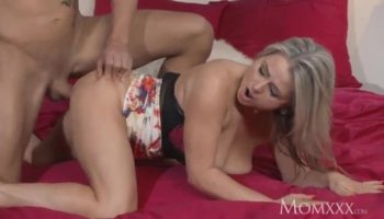 Arab hottie takes long cock for money in hotel room