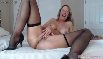 Pretty gf anal fucked and caught on cam by nasty partner